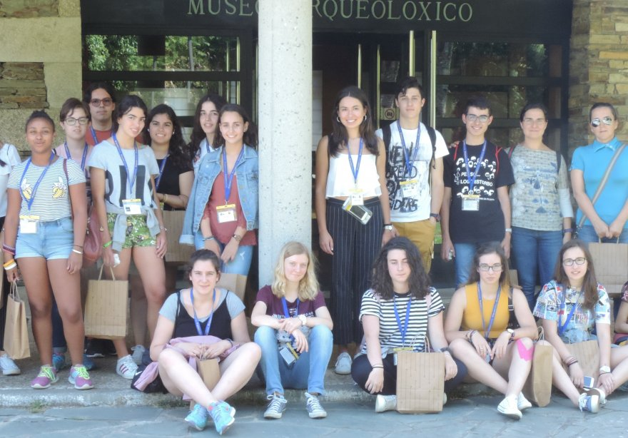 Participants in Xuvenciencia 2017 in the Museo do Castro de Viladonga